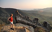 Aufstieg zur Ruine von Volterraio, Bucht von Portoferraio, Elba, Toskana, Italien