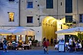 Pizza del Mercato, Lucca, Toskana, Italien