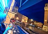 am Piazza del Campo, Siena, Toskana, Italien