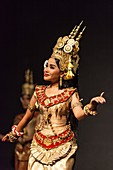 Cambodia, Phnom Penh, traditional dance performance, apsara dancer, NR