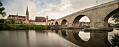 """UNESCO World Heritage Site """"Old Town of Regensburg with Stadtamhof"""", Old Danube Bridge over the Danube, view to Regensburg Cathedral, Upper Palatinate, Bavaria, Germany"""