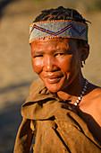 San Bushmen tribeswoman, Kalahari, Botswana, Africa