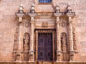 Ventana de la catedral de Santa María. Ciudad Rodrigo. Salamanca. Castilla León. España.