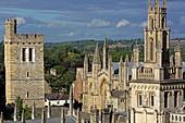 Carfax Tower und Turm des All Souls College, Universität, Oxford, Oxfordshire, England