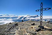 Summit plateau of Grande Dent de Morcles with summit cross, Dent de Morcles, Bernese Alps, Vaud, Vaud, Switzerland