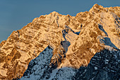 Alpenglow on snow-covered Watzmann, Berchtesgaden, Berchtesgaden National Park, Berchtesgaden Alps, Upper Bavaria, Bavaria, Germany