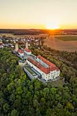 Schloss Hirschberg zum Sonnenuntergang, Beilngries, Eichstätt, Oberbayern, Bayern, Deutschland, Europa