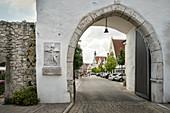 Stadttor zur Altstadt von Gundelfingen an der Donau, Landkreis Dillingen, Bayern, Deutschland