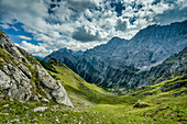 Descent from the Torcharte and the Tortal in view, Hinterriß, Karwendel, Tyrol, Austria, Europe