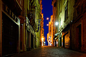 Night in the back streets of Valletta, Malta, Mediterranean, Europe