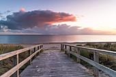 Morgenstimmung am Strandübergang in Dahme, Ostsee, Ostholstein, Schleswig-Holstein, Deutschland