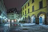 Kleine Mauer und Stadtcafe in Coburg, Oberfranken, Bayern, Deutschland