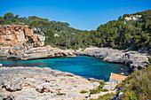 Cala Salmunia Bucht auf Mallorca, Spanien