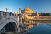 St. Angelo Bridge (Ponte Sant'Angelo) and Castel Sant'Angelo, UNESCO World Heritage Site, Rome, Lazio, Italy, Europe