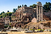 Temple of Castor and Pollux, Palatine Hill behind, Roman Forum, UNESCO World Heritage Site, Rome, Lazio, Italy, Europe