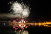 Feuerwerk im Alter Hafen, Sylvester, Triest, Friaul-Julisch Venetien, Italien