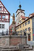 Kapellenplatz Seelbrunnen in Rothenburg ob der Tauber, Middle Franconia, Bavaria, Germany