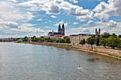 Magdeburg from the Strombrücke towards the cathedral, Elbe, Saxony-Anhalt, Germany