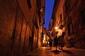 At night in the alleys of Palma, Palma de Mallorca, Majorca, Balearic Islands, Balearic Islands, Mediterranean, Spain, Europe