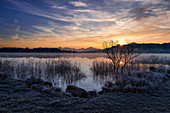 Sunrise in winter at the Staffelsee, Uffing, Bavaria, Germany, Europe