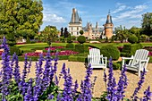 FRENCH-STYLE GARDENS CREATED ACCORDING TO THE PLANS DRAWN UP BY ANDRE LE NOTRE, GARDENER TO KING LOUIS XIV, CHATEAU DE MAINTENON, EURE-ET-LOIR (28), FRANCE