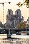 1 YEAR AFTER THE FIRE, THE NOTRE DAME DE PARIS CATHEDRAL RECONSTRUCTION SITE SHUT DOWN DURING THE COVID-19 PANDEMIC LOCKDOWN, PARIS, ILE DE FRANCE