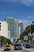 Modern buildings along Biscayne boulevard, Downtown Miami, Miami, Florida, USA.