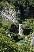 Blick auf Pools und Wasserfälle, Nationalpark Plitvicer Seen, Lika-Senj, Kroatien, Europa