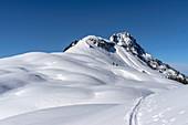 Blick auf den Gipfelhang von Kühkranz (vorne) und Hochkranz, Berchtesgadener Alpen, Salzburg, Österreich