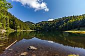 Taubensee near Reit im Winkl in autumn with panoramic view, Chiemgau, Bavaria, Germany