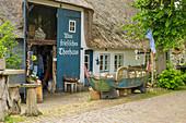 Altes friesisches Teehaus, Nieblum, Insel Föhr, Nordfriesland, Deutschland
