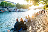 France, Paris, area listed as World Heritage by UNESCO, Ile de la Cite, at the Quai des Orfevres