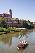 France, Tarn, Albi, the episcopal city, listed as World Heritage by UNESCO, Sainte Cecile cathedral and the Tarn River
