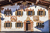 Historic house with Lüftlmalerei in Unterammergau, Upper Bavaria, Allgäu, Bavaria, Germany