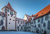 Innenhof des Hohen Schlosses von Füssen, Allgäu, Bayern, Deutschland