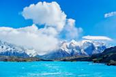 Ansicht der Hörner der Paine-Berge und des Pehoe-Sees, Nationalpark Torres del Paine, Chile, Südamerika