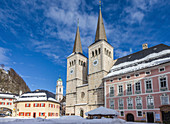 Royal Berchtesgaden Castle with Collegiate Church and Schlossplatz, Upper Bavaria, Bavaria, Germany
