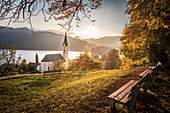 View of the Schliersee and the St. Sixtus Church, Schliersee, Upper Bavaria, Bavaria, Germany