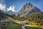 Seebenalm mit Rauher Kopf, Ehrwald in Tirol, Tirol, Österreich