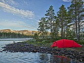 Red tent, Sefrivatnet, Tosfjellet, Nordland, Norway