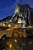 France, Alpes de Haute Provence, Sisteron, La Durance river, La Baume bridge and rock, Saint Dominique church