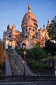 France, Paris, Montmartre hill, Sacre Coeur Basilica at dawn