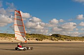 France, Somme (80), Marquenterre, Quend-Plage, The large sandy beaches of the windswept coast of Picardy are an ideal place for the practice of the sail-hauler