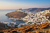 Greece, Dodecanese archipelago, Astypalaia island, Chora, capitale of the island, dominated by the venitian citadel or Querini castle and Pera Gialos, former harbour