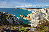 View over cliffs to the Plage de Trez Rouz near Camaret sur Mer, Finistere department, Brittany, France, Europe