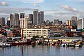 Skyline der Stadt, Manila, National Capital Region, Philippinen, Asien