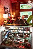 Inhaber Derek Ouellet und Cindy Healy vom Ridgway Confections Chocolate Shop, Seeley's Bay, nahe Kingston, Ontario, Kanada, Nordamerika