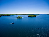 Luftaufnahme von Le Boat Horizon Hausboot und Inseln, Upper Rideau Lake, Ontario, Kanada, Nordamerika