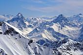 Blick zum Piz Ela und der Bernina auf dem Rothorn, Skigebiet Lenzerheide östlicher Teil, Graubünden, Schweiz
