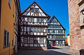 Kirchhof an der Stadtkirche St. Georg in Schmalkalden, Thüringen, Deutschland